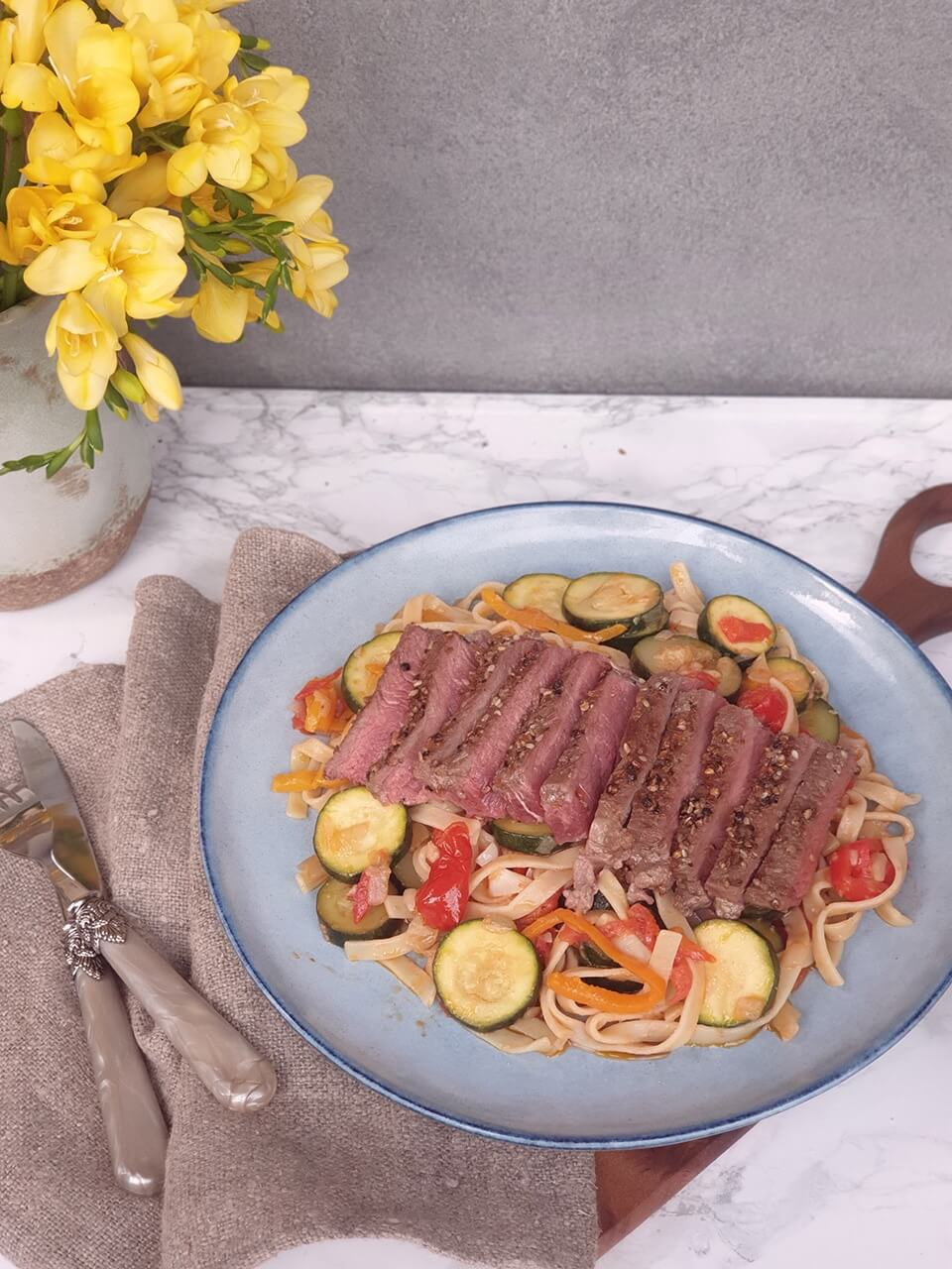 Beef steak s tagliatelle