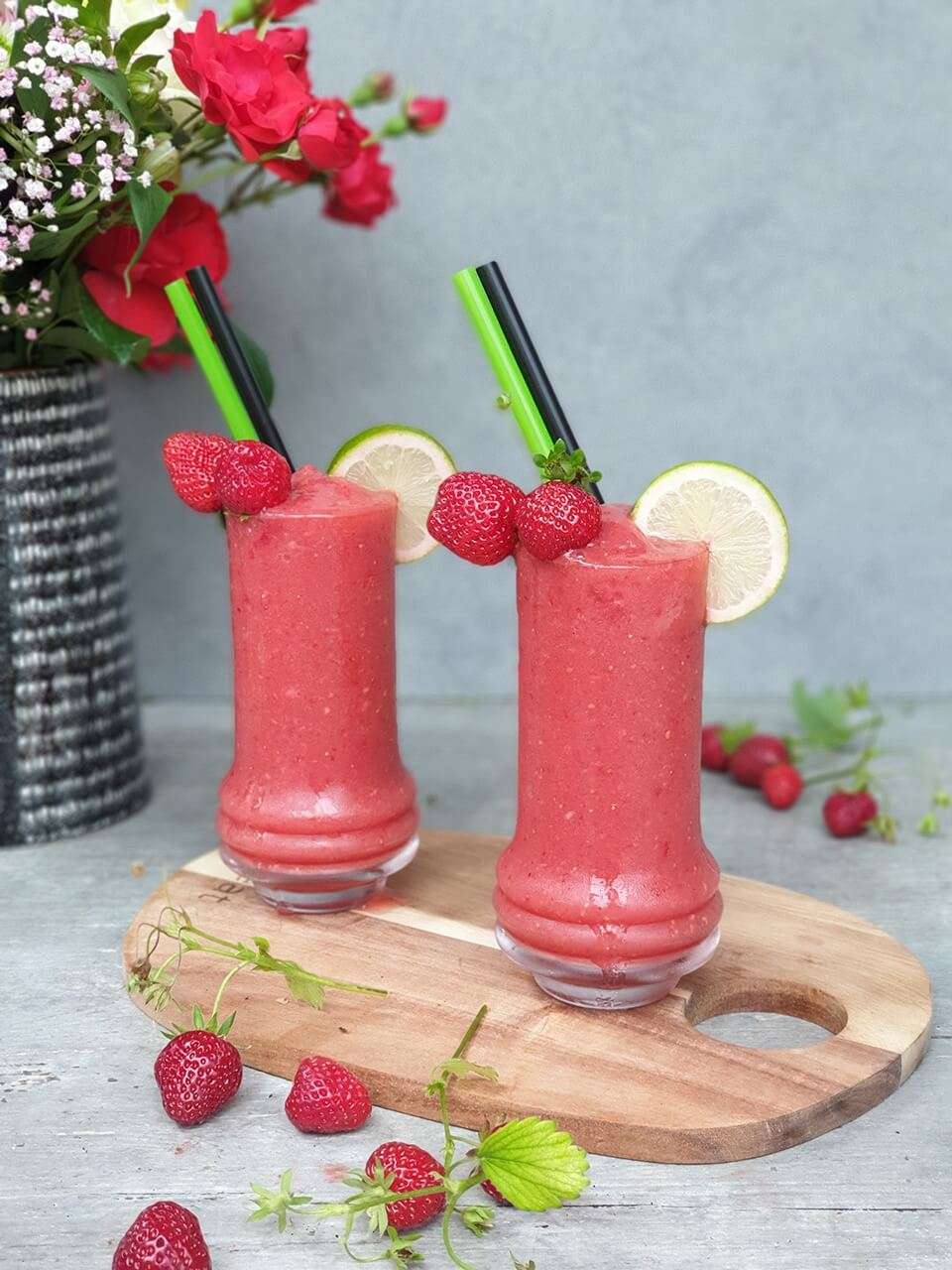 Strawberry frozen margarita